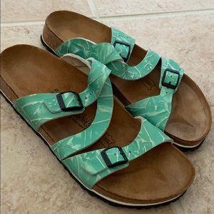 Like new Birkenstock sandals